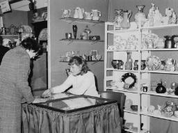 Portmeirion Antiques Fair, Bowls Mtch at Blaenau. - Apr-77 thumbnail