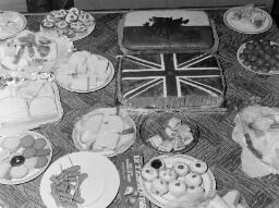 Jubilee Parties, Dorothy Moore....Jubliee Shops. PORTMMEIRION CARNIVAL.....part - Jun-77 thumbnail