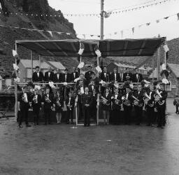 Blaenau Band - Mr. and Mrs. Ellia Jones and Son. Cambrian Kotor - Queen comp. Forum - Judges - Rose Bud. - Mrs. Cow - Jul-69 thumbnail