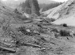 Leslie Jones Llety's Allt. Martin Wright (Lead Mines) - May-77 thumbnail